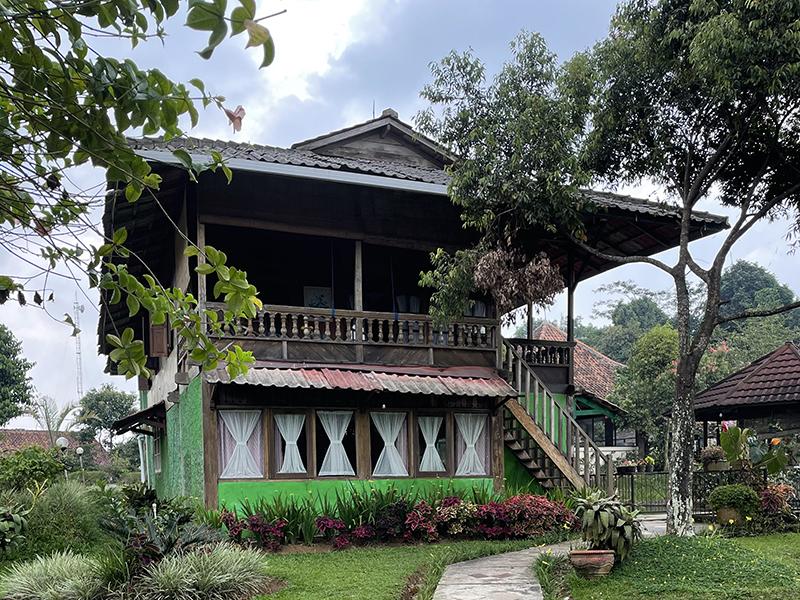Villa Manado Atas & Bawah